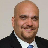 عماد عزيز - مدير المعهد الإقليمي لإدارة المشروعات فرع مصر