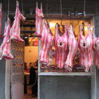 اللحوم ؛ الجزارين ؛ أسعار اللحوم