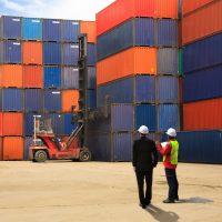 الاقتصاد العالمى ؛ الصادرات ؛ الواردات ؛ الخدمات البحرية