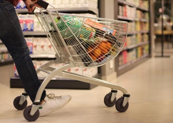 الصناعات الغذائية ؛ الغذاء ؛ السلاسل التجارية ؛ أسواق