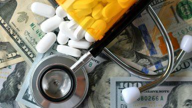 الاستثمارات في قطاع الدواء والرعاية الصحية ؛ الأدوية