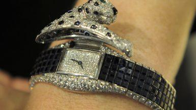 المجوهرات والساعات