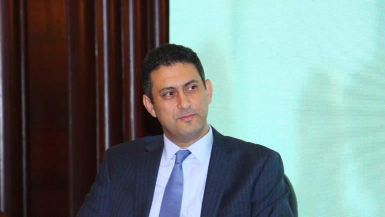 أيمن إسماعيل مدير برنامج حاضنة الجامعة الأمريكية