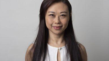 شولى رين ؛ كاتبة مقالات رأى لدى بلومبرج وتغطى الأسواق الآسيوية