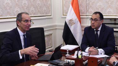 عمرو طلعت وزير الاتصالات و رئيس الوزراء مصطفى مدبولى