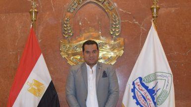 عمرو حسن رئيس شعبة الملابس الجاهزة بالغرفة التجارية بالقاهرة