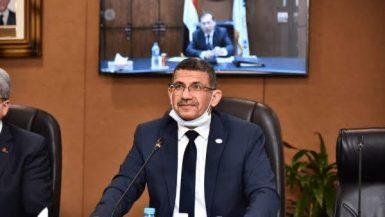 أشرف إمام رئيس شركة خدمات البترول البحرية