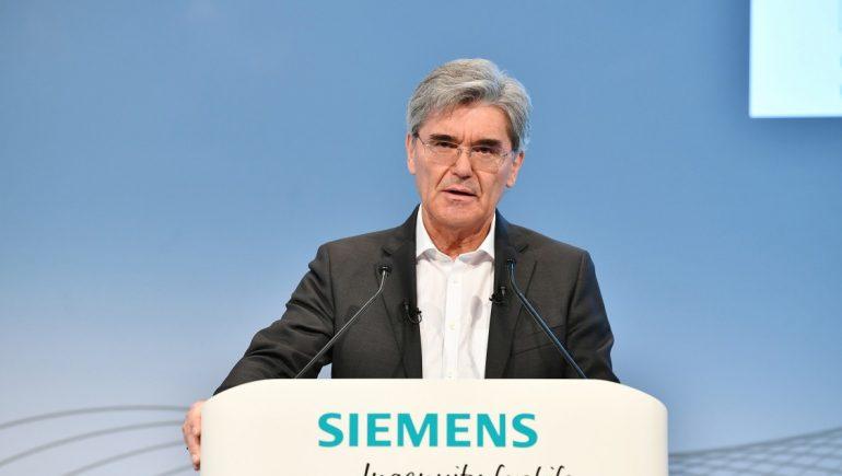 جو كايسر الرئيس التنفيذي لشركة الإلكترونيات الحديثة الألمانية ؛ سيمنز