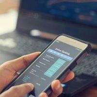 الخدمات الرقمية المصرفية ؛ التعاملات غير النقدية ؛ الانترنت البنكى ؛ الموبايل البنكى