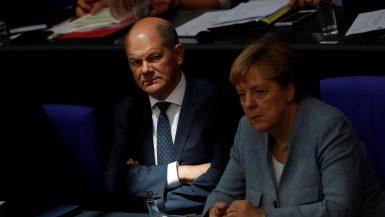 وزير المالية الألماني أولاف شولتس ؛ ألمانيا ؛ أنجيلا ميركل