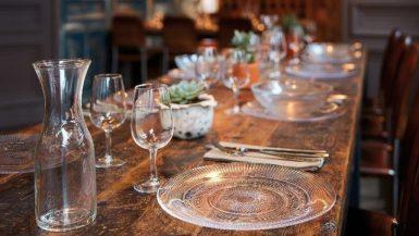 زجاج أدوات المائدة ؛ الزجاج