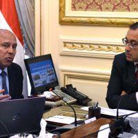 مصطفى مدبولى رئيس مجلس الوزراء ووزير النقل كامل الوزير