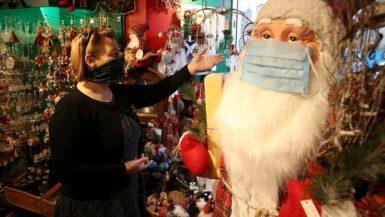 زينة الكريسماس ؛ فيروس كورونا
