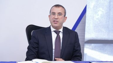 حسام حسين رئيس القطاع المالى لشركة راية القابضة للاستثمارات المالية