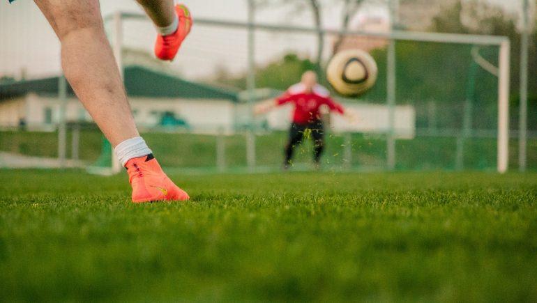 الأندية الرياضية ؛ كرة القدم