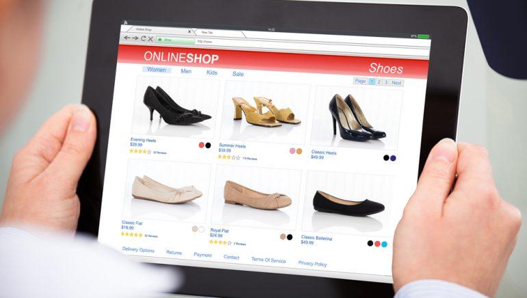 """انتعاش مبيعات الأحذية """"أون لاين"""""""