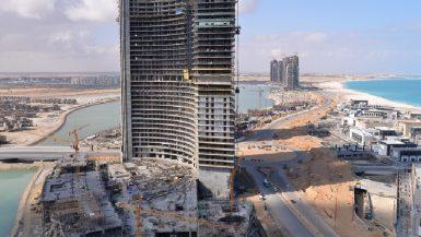 """الانتهاء من الهيكل الخرسانى لـ15 برجاً بالمنطقة الشاطئية فى """"العلمين الجديدة"""""""