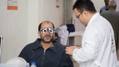 """قوافل """"نور حياة"""" تستقبل 3 ألاف مريض لإجراء الكشف الطبى على العيون"""