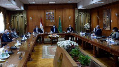 رئيس الوزراء: الدولة تخطط لإنشاء جامعة فى كل محافظة
