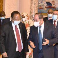 """""""السيسى"""" يبحث مع """"حمدوك"""" جهود مصر والسودان تجاه """"سد النهضة"""""""