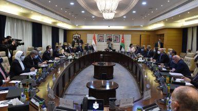 رئيسا الوزراء: توجيهات من الرئيس السيسى بدعم العلاقات الثنائية بين مصر والأردن