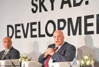 عبد الرحمن عجمى الرئيس التنفيذى لشركة سكاى أبوظبى للتطوير العقارى