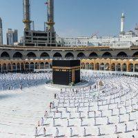 السعودية تعتمد شرط جديد لدخول الحرمين الشريفين.. تعرف عليه