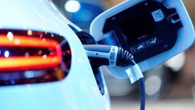 """""""دونج فينج"""" الصينية تساهم بربع تكلفة مشروع سيارة النصر الكهربائية"""