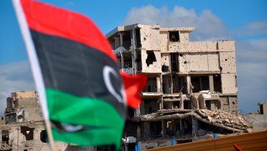 شركات المقاولات تتمسك بالعمل تحت مظلة الدولة فى ليبيا.. وتكرار النموذج العراقى