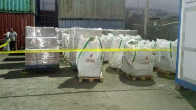 """""""البيئة"""" تتعاون مع """"جيوسايكل لافارج مصر"""" للتخلص الآمن من 200 طن مبيدات خطرة"""