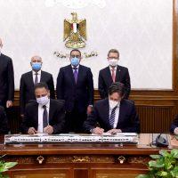 """""""النقل"""" توقع عقد تنفيذ الخط الأول من شبكة القطار الكهربائى مع تحالف """"سيمنس والمقاولون العرب وأوراسكوم"""""""