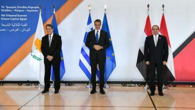 السيسى: الآلية الثلاثية بين مصر واليونان وقبرص محفل هام لتدعيم التعاون المشترك